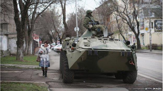 Ruski tenk u Simferopol, Krim (18 ožujak 2014)