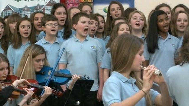 Pupils from Bryntirion Comprehensive School singing Calon Lan