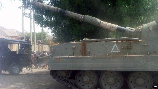 Tank in Maiduguri after attack on Giwa barracks (14/03/14)