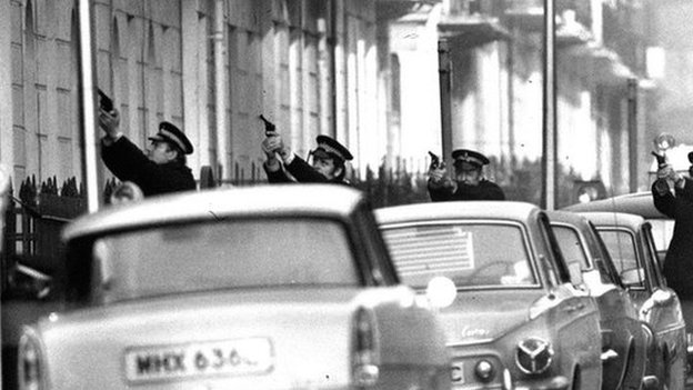 Police officers during the Balcombe Street siege in London in 1975