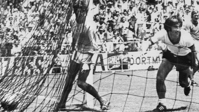 Gerd Mueller scores for West Germany against England
