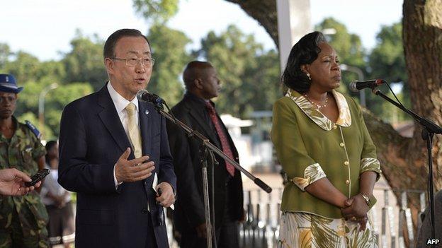 Ban Ki-Moon with Central African Republic interim President Catherine Samba-Panza. 5 April 2014