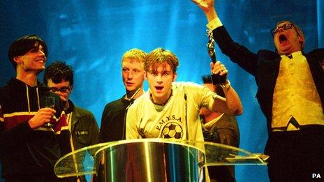 Blur at the Brits 1995