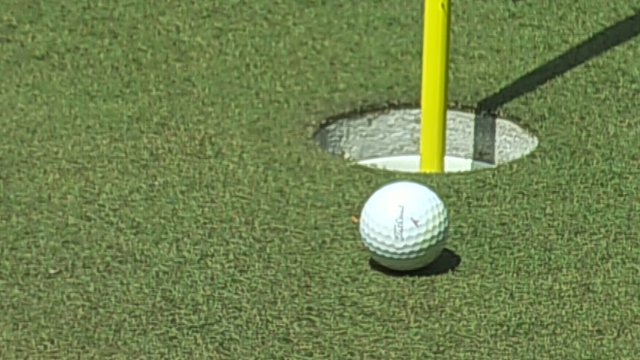 Masters 2014: Hunter Mahan nearly holes tee shot at 12th