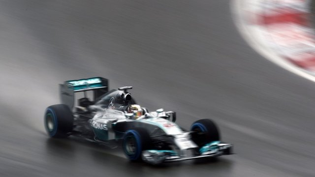 Lewis Hamilton takes pole for the Chinese Grand Prix
