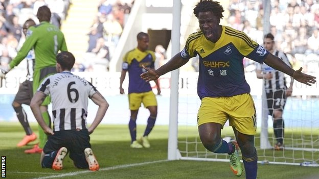 Wilfried Bony celebrates scoring Swansea's first goal