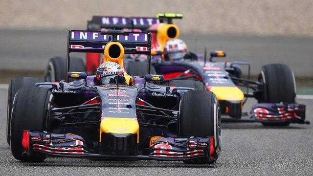 Sebastian Vettel and Daniel Ricciardo battle it out in China