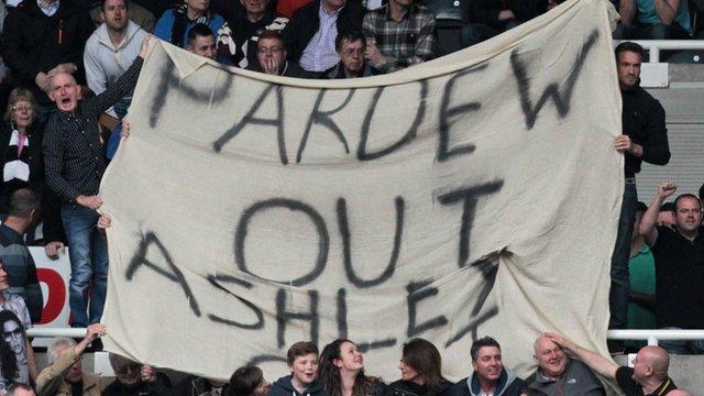 Newcastle 3-0 Cardiff: Alan Pardew understands fan abuse