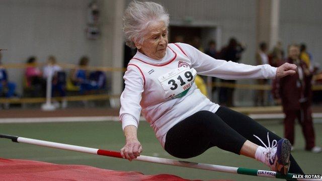 Olga Kotelko - jumping for a world record