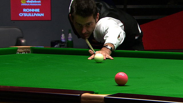 Selby leads after stunning O'Sullivan miss