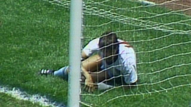 1986 World Cup - England v Argentina: Lineker denied equaliser