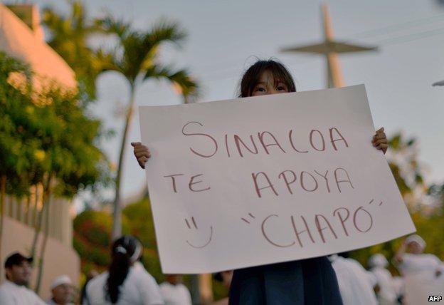 People protest in support of Mexican drug kingpin Joaquin Guzman Loera, aka 'el Chapo Guzman' at Culiacan, Sinaloa State, Mexico on February 26, 2014