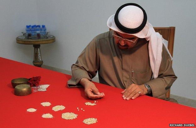 Pearl dealer in Bahrain