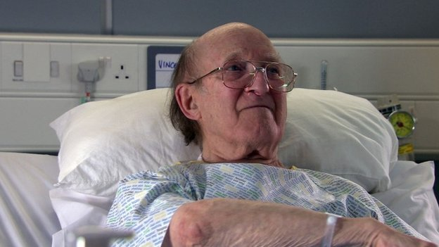 Ron Moody in Casualty 2012