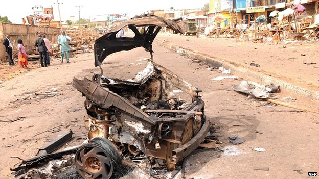 Wreckage after blasts in Jos. 21 May 2014