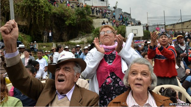 Columbian voters cheer for candidate