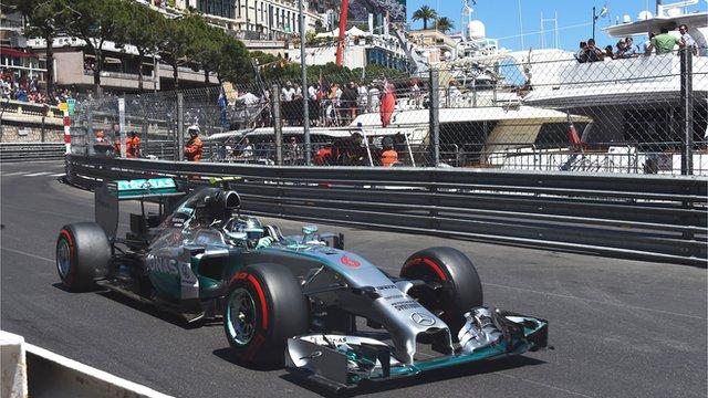 Nico Rosberg claims pole at Monaco