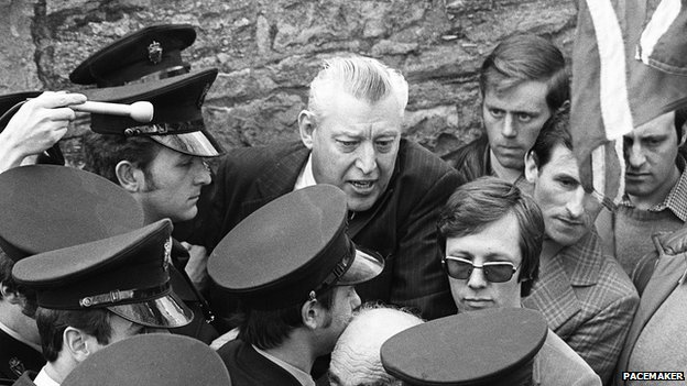 Ian Paisley being arrested in 1980