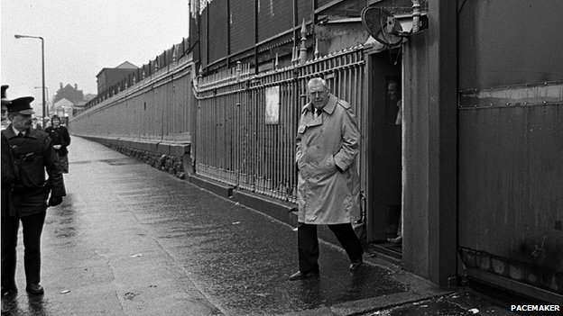 Mr Paisley leaves Crumlin Road jail after spending two days in prison