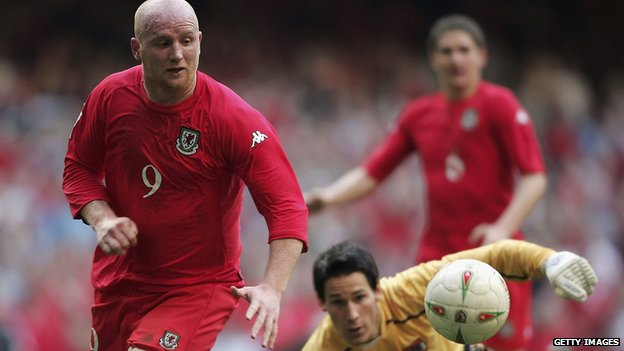 John Hartson in 2005 World Cup qualifier against Austria