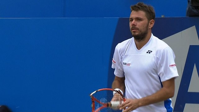 Stanislas Wawrinka smashes racquet against Girgor Dimitrov at Queen's Club