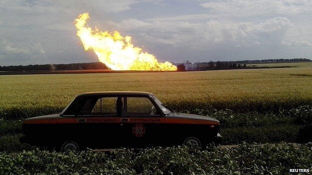 Fire burns on the Urengoy-Pomary-Uzhgorod transit pipeline in Ukraine on 17 June 2014.