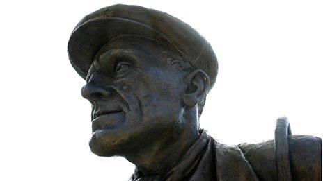 Dock Workers statue, Royal Victoria Dock