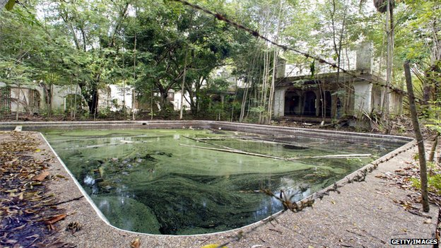 Escobar's house and pool