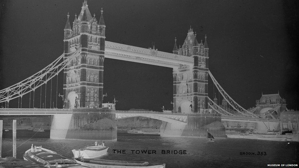 Tower Bridge in 1910