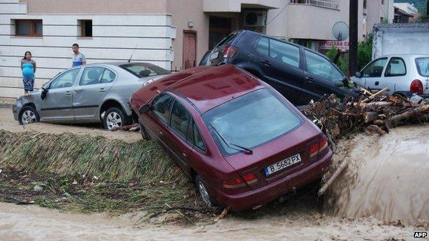 Damaged cars in Varna (19 June 2014)