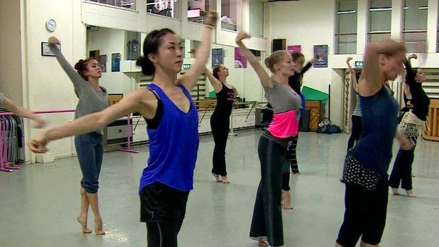 Dancers rehearse for Glastonbury