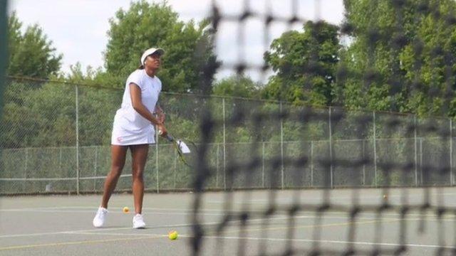 Elizabeth Nyenwe on the tennis court