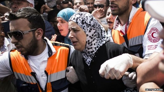 Mother of murdered teenager Mohammad Abu Khdair during his funeral ceremony on July 4 2014 in Jerusalem