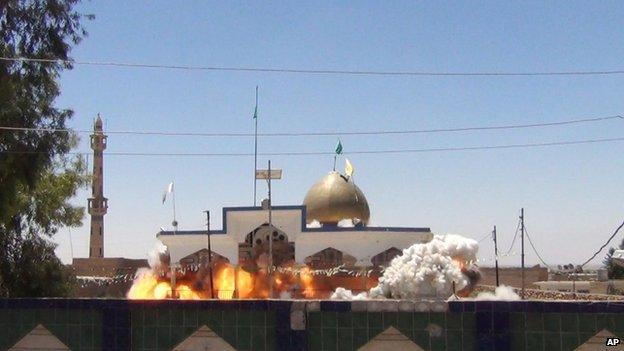 Shia Saad bin Aqeel Husseiniya shrine explodes in Tal Afar, Iraq.