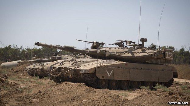 Israeli tanks at Israel/Gaza border near city of Sderot, Israel. 6 July 2014