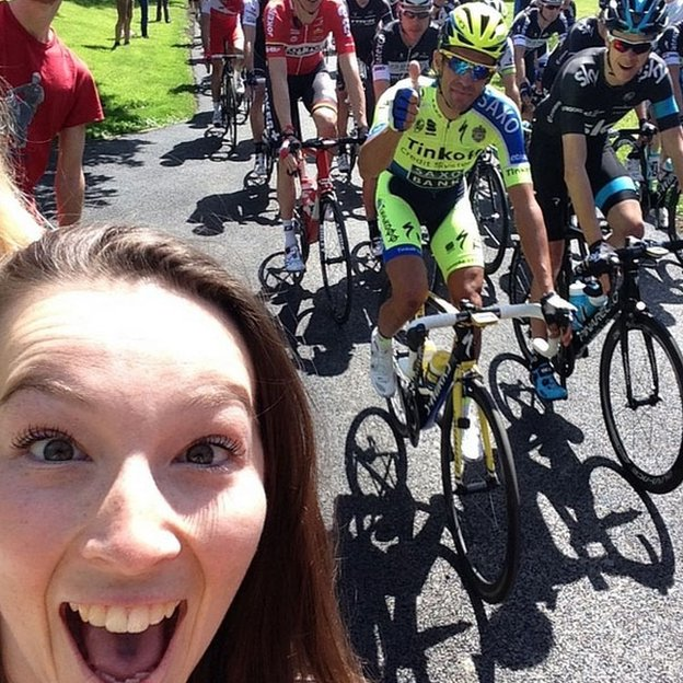 Katie Holroyde took this selfie with the two Tour de France favourites