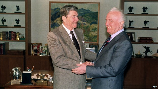Former Soviet Foreign Minister Eduard Shevardnadze meets former US president Ronald Reagan in Los Angeles - 20 May 1991