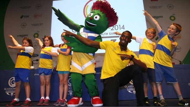 Glasgow 2014 Top Secret High Fives With Fastest Man On Earth Bbc News