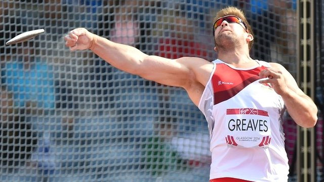 England's Dan Greaves in discus action