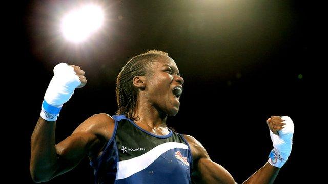 Glasgow 2014: Nicola Adams beats Walsh with split decision