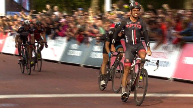 Adam Blythe wins the London-Surrey classic