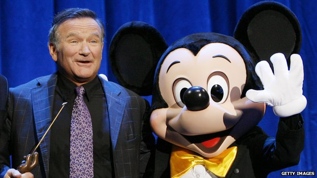 Robin Williams with 'Mickey Mouse' in 2009