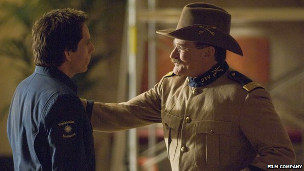 Robin Williams with Ben Stiller (l) in Night at the Museum: Battle of the Smithsonian