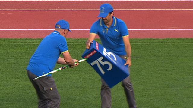 European Championships: Wild javelin throw pierces marker