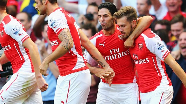 Arsenal celebrate after Aaron Ramsey's goal against Crystal Palace