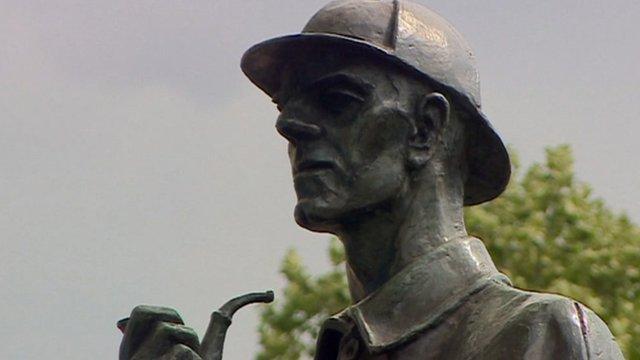A statue of Sherlock Holmes