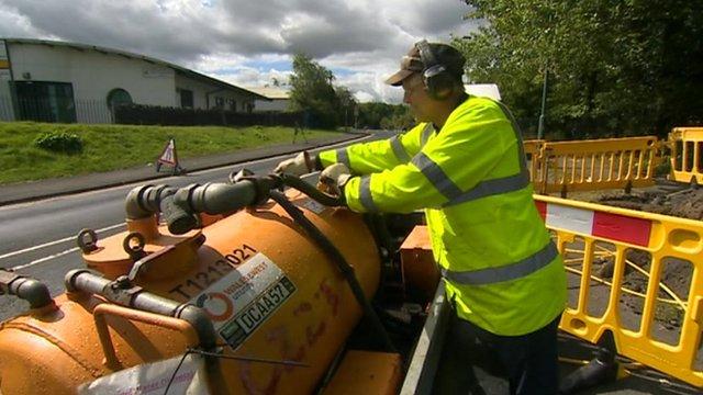 Engineer working to restore gas supplies in Nantyglo