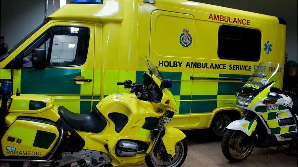 Yn barod am y galwadau brys // Ready for the emergency calls