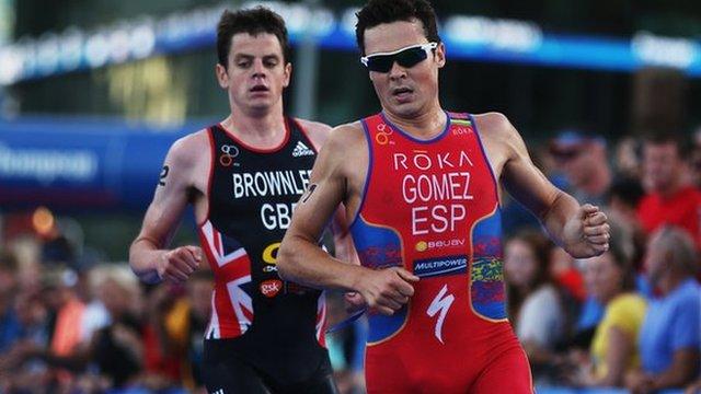 Javier Gomez (right) and Jonny Brownlee