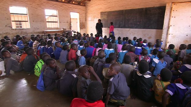 Malawi classroom, full of pupils